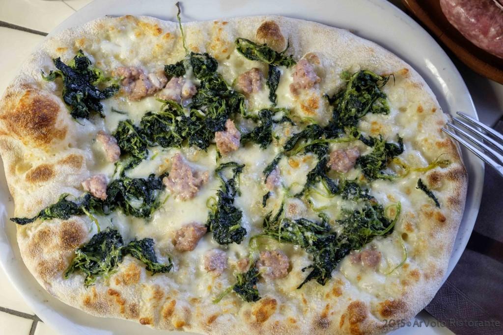 ArVolo Pinsa broccoletti salsiccia e pecorino romano