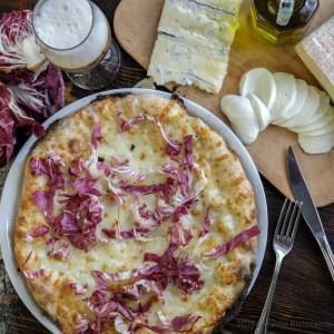 ArVolo Pizza bianca Taleggio gorgonzola e radicchio