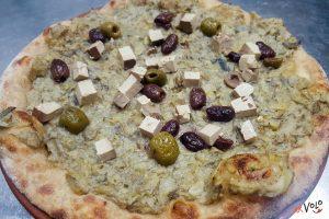 Focaccia Crema Carciofi Tofu affumicato Olive verdi