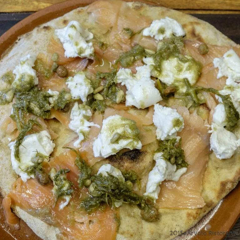 ArVolo Focaccia Salmone mozzarella bufala salsa finocchietto
