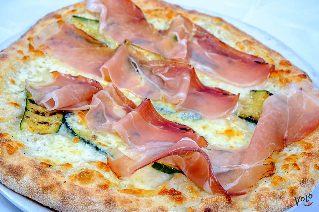ArVolo Pizza bianca Provola affumicata Speck e Zucchine grigliate