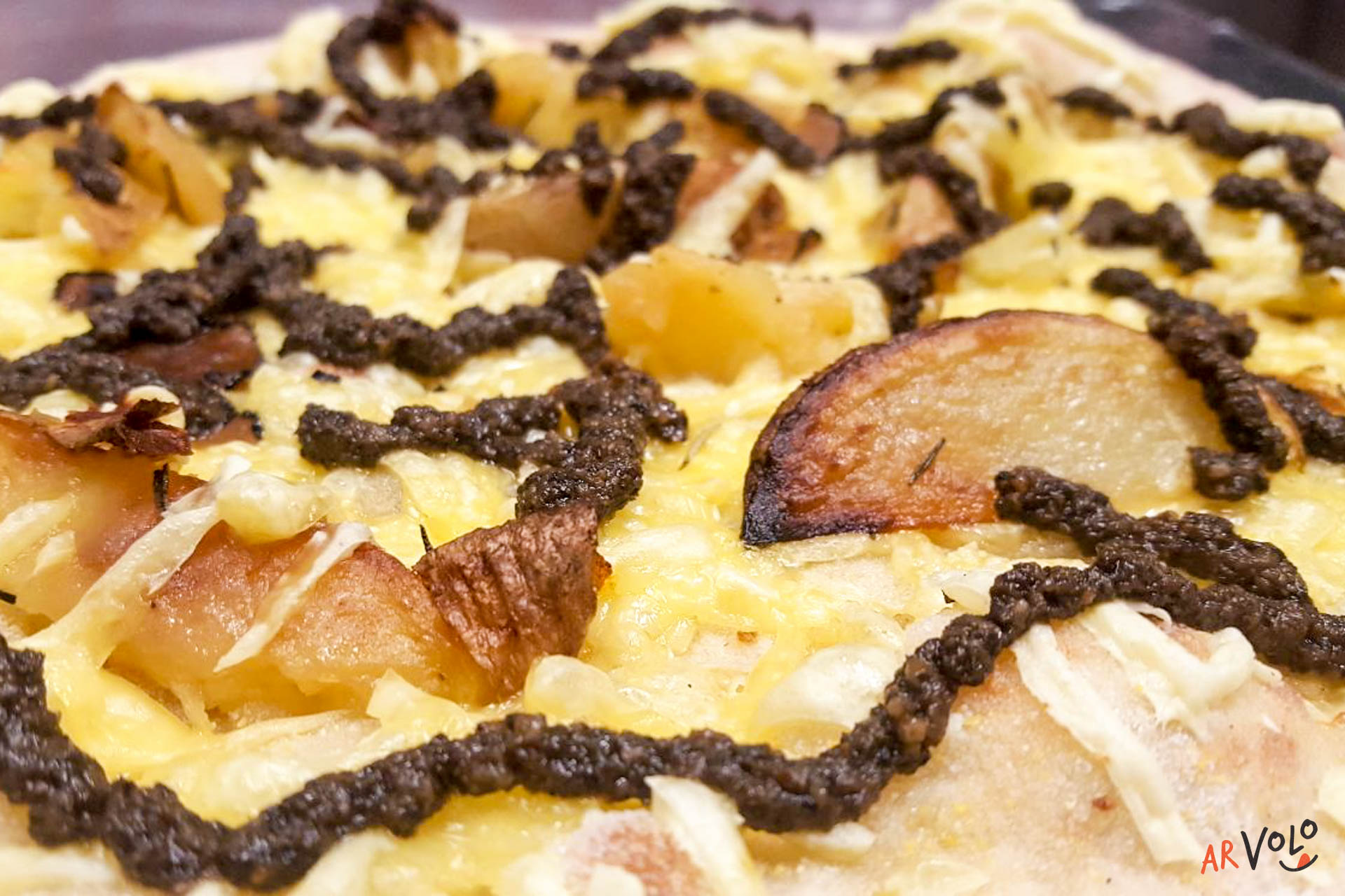 Pizza Tartufo e patate vegan