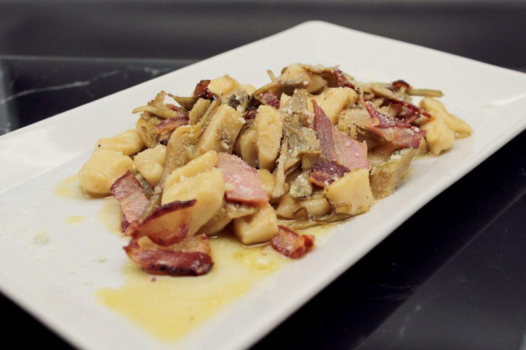 Gnocchi di patate con carciofi